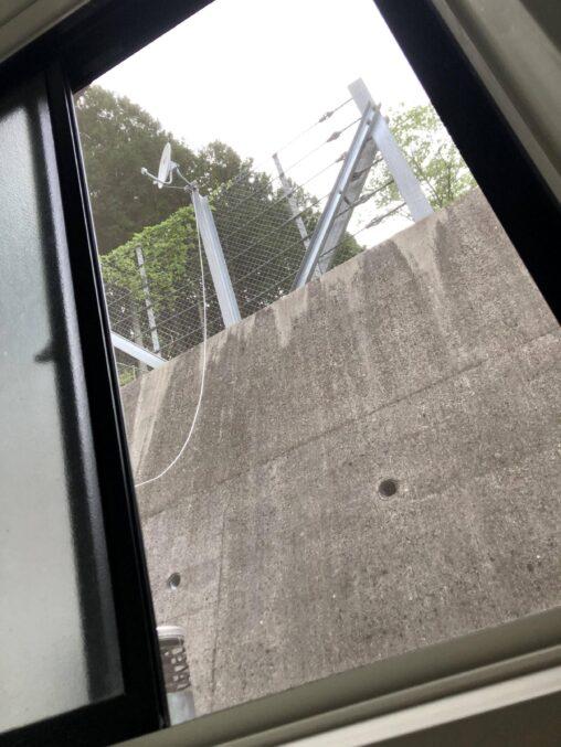 【こんな絶景見たことあるか?】家の風呂の窓から見える景色www