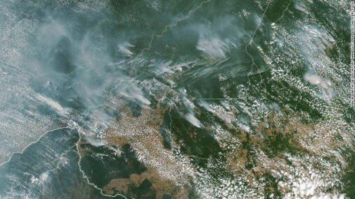 【宇宙から見える火事】ブラジルのアマゾンの熱帯雨林は記録的な速度で燃えています