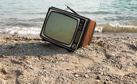 【危険?】なぜ世界中のお金持ちは、こぞって「テレビを見ない」のか?>裕福でない人ほどテレビを見る