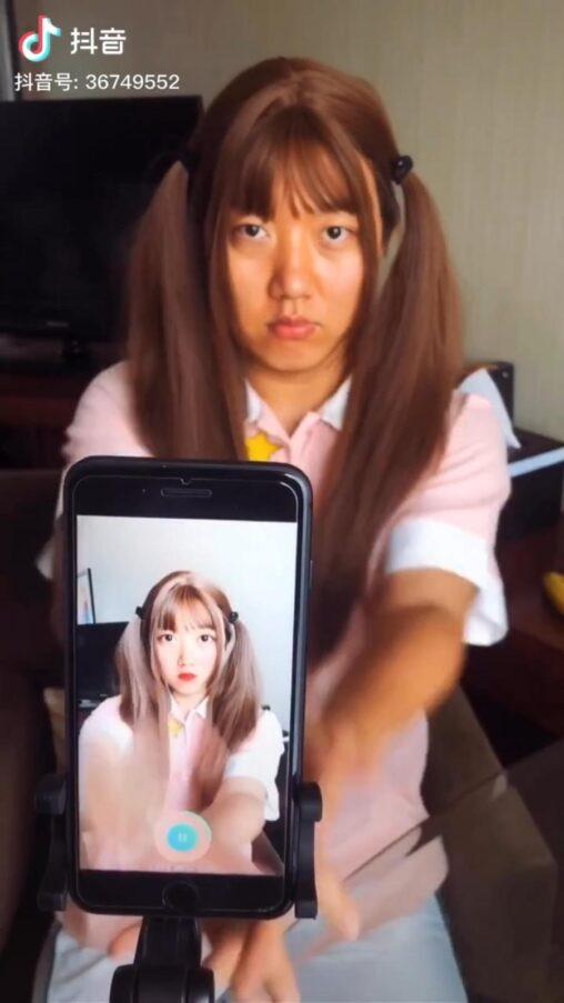 【グロ】中国人おっさんが一瞬で美少女になれるアプリを開発→中国でも驚きの声