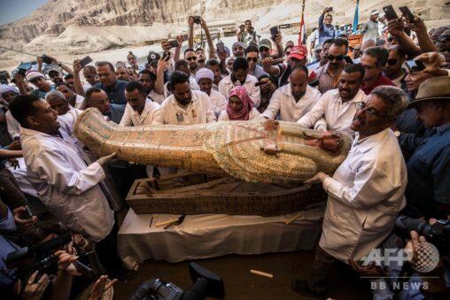 【ハムナプトラ?】エジプトで地中から女性や子供を含む30人の遺体