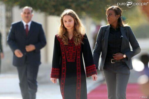 【日本には佳子様がいるし!】ヨルダンのイマン女王、陰キャ好み