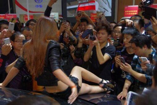 【コミケでのお前らじゃん!】中国のモーターショーをご覧下さい