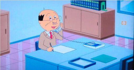 【デスクに線のない電話とペラ紙1枚て…】ミニマリスト波平の仕事場