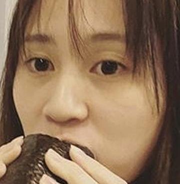 【キンタローに近づい…】恵方巻きを食べる前田敦子(28歳)がヤバイと話題に