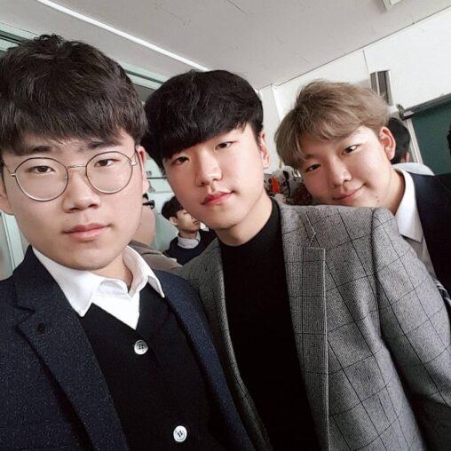 【イケメン?同じ顔同じ髪型】韓国の男子校の写真チョンすぎワロタ
