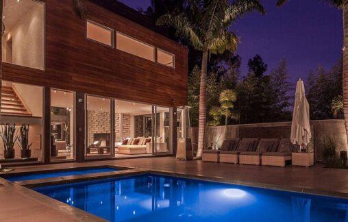 【プールも】アメリカではこのレベルのセレブ豪邸が2.3億で買えるらしい(安い)