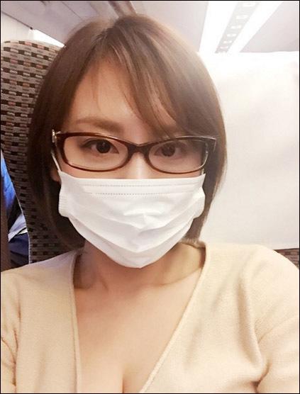 【奇跡の一枚?】高橋真麻さん、メガネマスク美人だった…