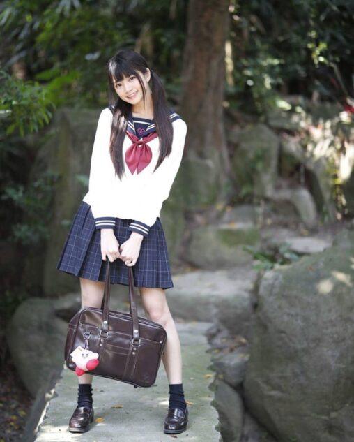 【女子高生のごく自然な通学!】鞄持ってるJKが好きなんだが…
