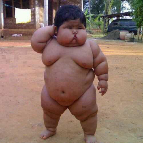 【かわいい肥満児!】強そうなガキが見つかる