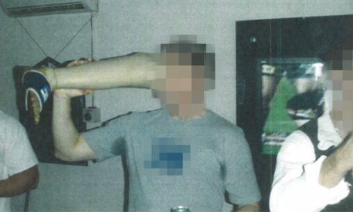 【グロ注意】死亡した敵の足をビールジョッキ代わりにオーストラリア特殊部隊の特殊な風習だった