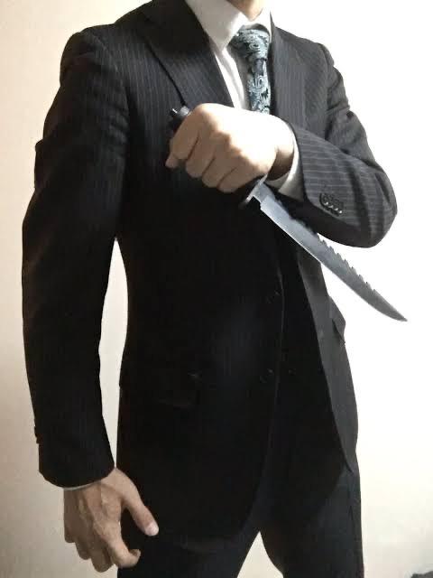 【痛そう!】ナイフをこういう風に逆手持ちするやつちょっとこい