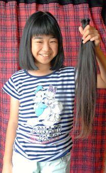 お前らに10歳きゃわわ女児の髪の毛もらえるチャンス!「3年間伸ばしました。貧毛な人に使ってほしい」