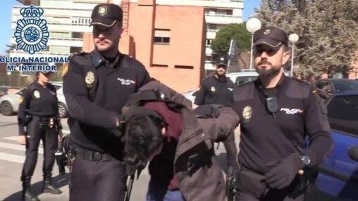 「母親を1000以上に切断して犬と一緒に食べ続けた」 スペインで最悪の猟奇殺人犯が捕まる
