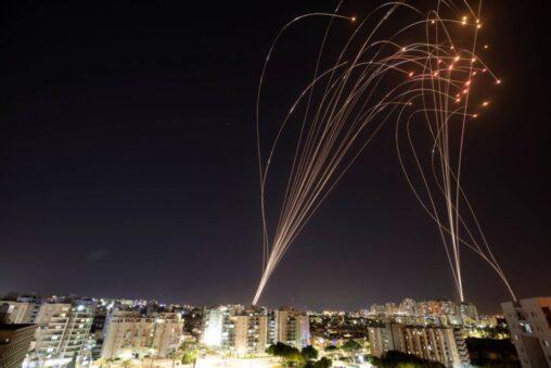 【紛争】イスラエルの迎撃ミサイルアイアンドームの撃墜率90%以上