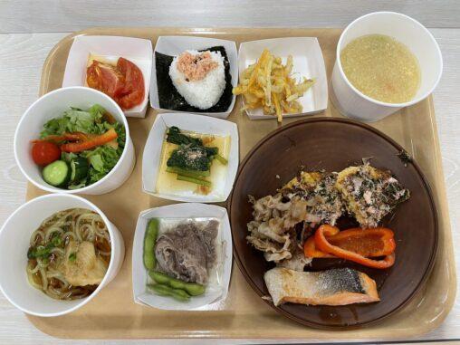 【画像あり】選手村の日本食がこちら。こりゃ毎日食えるは