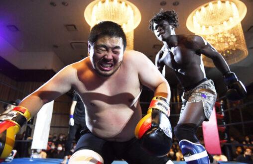 【悲報】へずまりゅう、格闘デビュー戦で敗戦